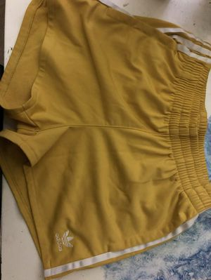 Adidas Yellow Shorts Size Small for Sale in Henderson, NV