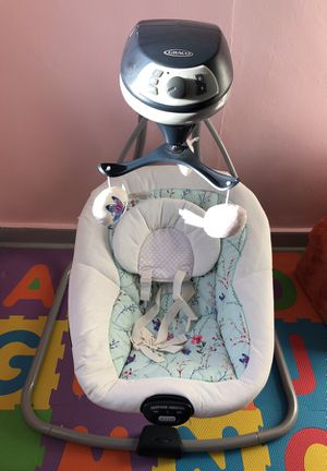 Graco simple sway baby swing for Sale in Jersey City, NJ