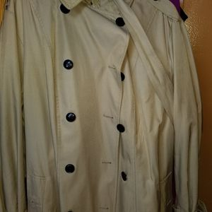 Michael kors trench coat for Sale in Jamaica, NY
