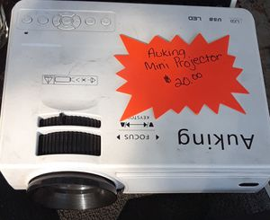 Auking Mini Projector for Sale in Keysville Neighborhood, FL