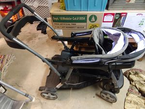 Graco convertible double stroller for Sale in Philadelphia, PA