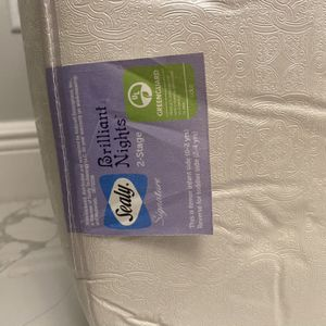 Free Infant Mattress for Sale in Casselberry, FL