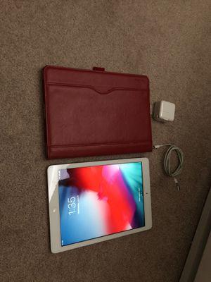 iPad Air 128GB WiFi + cellular for Sale in Seattle, WA