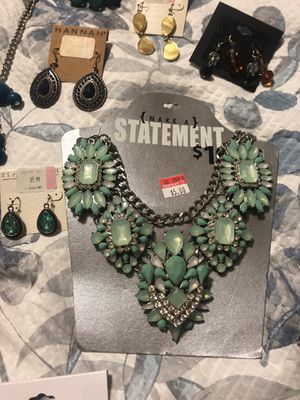 Vendó toda esta joyeria for Sale in Channelview, TX