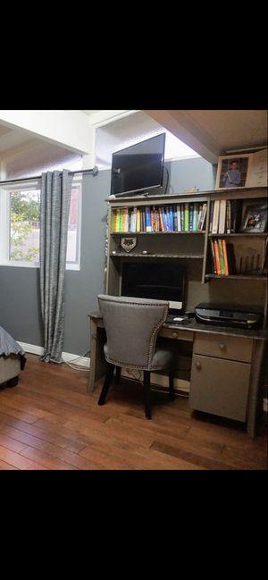 Desk with hutch Pottery Barn for Sale in Orange, CA