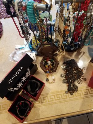 Clothings jewlary and more for Sale in Lake View Terrace, CA