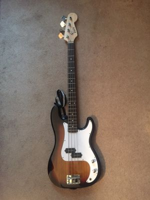 Bass Guitar for Sale in Sterling, VA