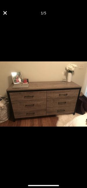 Munich 6 drawer double dresser for Sale in Washington, DC