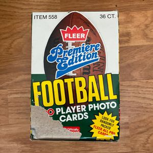 1990 Fleer Football Card Box with 36 unopened packs for Sale in Murrieta, CA