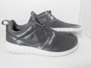 Nike Roshe Metallic Silver White BRAND NEW for Sale in Tustin, CA