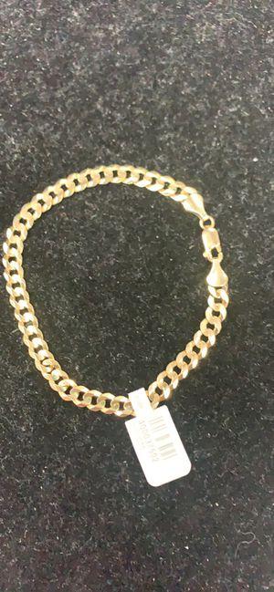"""14kt yg 8.3 grms curblink bracelet 8"""" long 5.6 mm for Sale in Orlando, FL"""