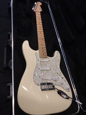 1993 Fender Strat Plus Deluxe guitar for Sale in El Cajon, CA