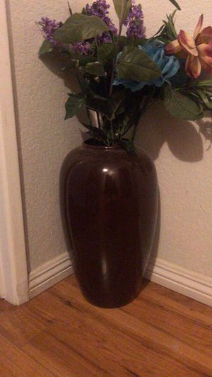 Flower vase for Sale in Victorville, CA