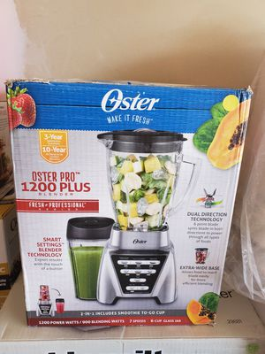 New oster pro 1200 plus blender includes smoothie cup for Sale in Riverside, CA