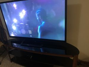 Lg tv and VAS tv stand for Sale in Madras, OR