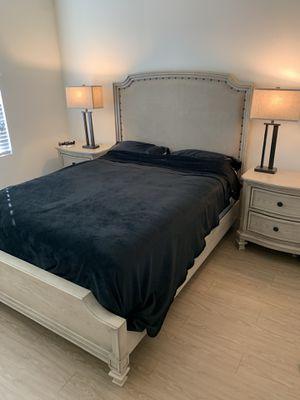 Queen bedroom set for Sale in Scottsdale, AZ