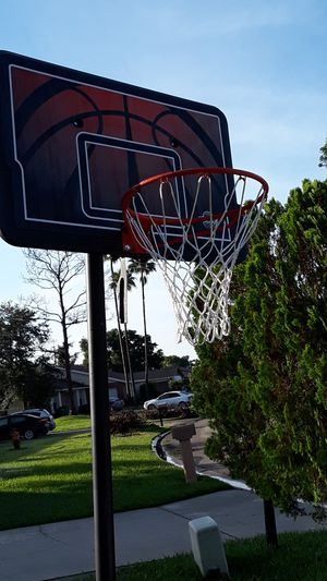 Basketball hoop for Sale in Kissimmee, FL
