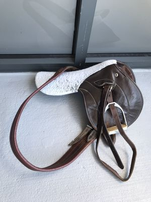 English saddle. Girth and stirrups included. for Sale in Miami, FL