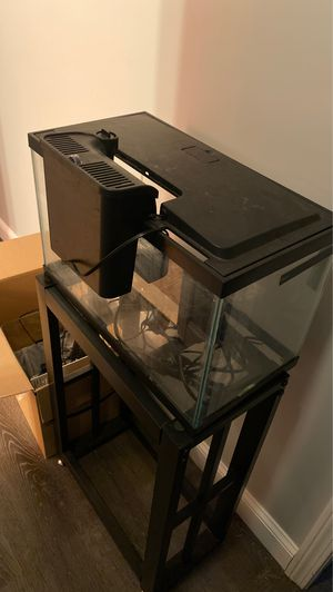 10 gallon fish tank for Sale in Exeter, RI