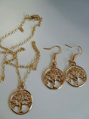 Pretty TREE OF LIFE Necklace with Earrings Set for Sale in The Bronx, NY
