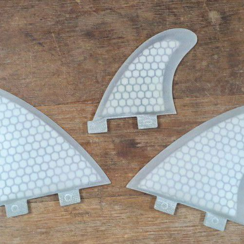 "MR TWIN FINS WITH 2.75"" TRAILERS FCS1 BASE"