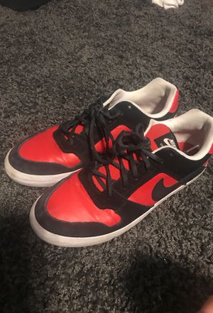 Red Nike SB Size 9.5 for Sale in Bloomington, IL