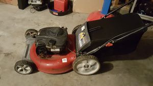 Lawn mower for Sale in Bakersfield, CA