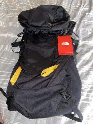 North face hiking backpack 40l for Sale in Redlands, CA