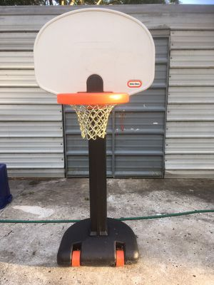Little Tikes Basketball Hoop for Sale in Lutz, FL