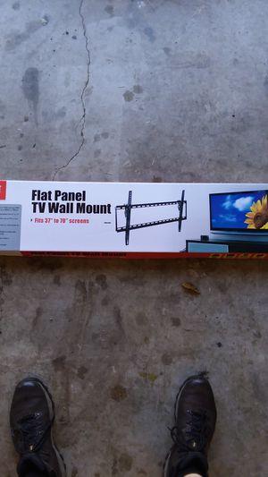 Flat panel TV wall mount 37 in 270 in for Sale in Troutville, VA