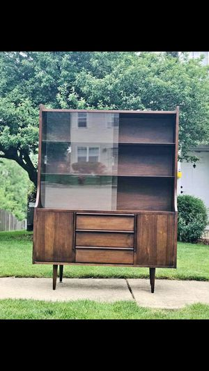 Vintage Mid Century Modern Display Cabinet/Buffet with hutch top and glass doors for Sale in Plainfield, IL