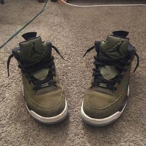 Jordan (Son Of Mars Olive Green) Size 10 for Sale in Las Vegas, NV