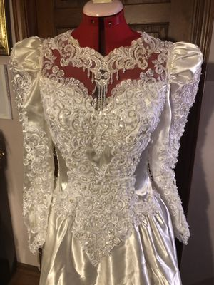 Vintage Michaelangelo Wedding Dress - Size 6 for Sale in Norwood, MA