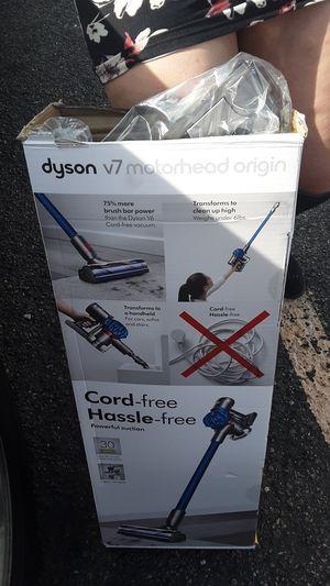 Dyson V7 motorhead origin ! for Sale in Aurora, CO