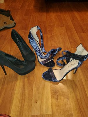 2 pairs of womens heels size 8 for Sale in Philadelphia, PA