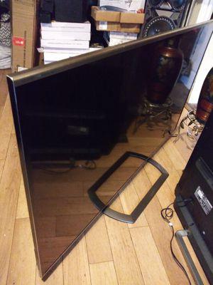 Tv sharp de 70 inch smart 1080p 3d aquos chingosisima grandota vista chingosisima 600$ nada nada menos no negociable for Sale in Los Angeles, CA