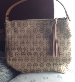 New Authentic Women's MK Tote Bag NO TRADES for Sale in Haines City, FL