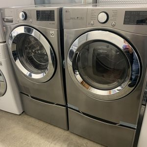 Lg Washer And Gas Dryer With Pedestals for Sale in Orange, CA