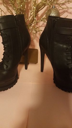 SHOE CULT Brand Black chunky high Heel Boot Lace up with side zip size 7 for Sale in Boca Raton, FL