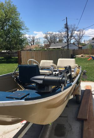 1978 Lund fishing boat w/ New trolling motor and two o/b evinrude engines , also two marine batteries for Sale in Westminster, CO