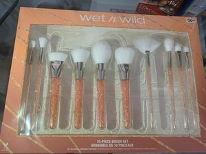 Wet n Wild Makeup Brushes for Sale in Irwindale, CA