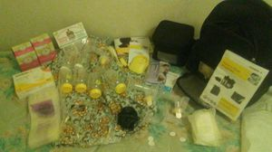 Medela pump in style advanced full kit plus for Sale in Denver, CO