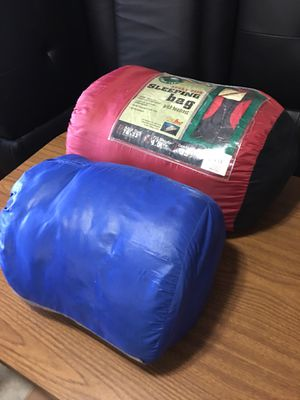 (2) Ozark Trail Adult Size 6ft & 6.5ft Sleeping Bag for Sale in Miami, FL