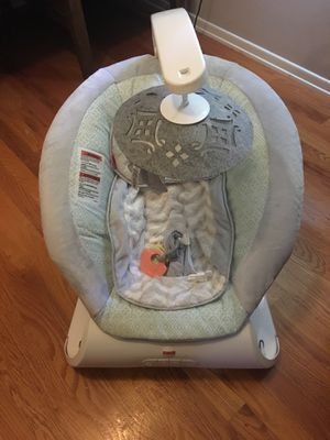 Fisher price baby swing and bouncer for Sale in Fenton, MO