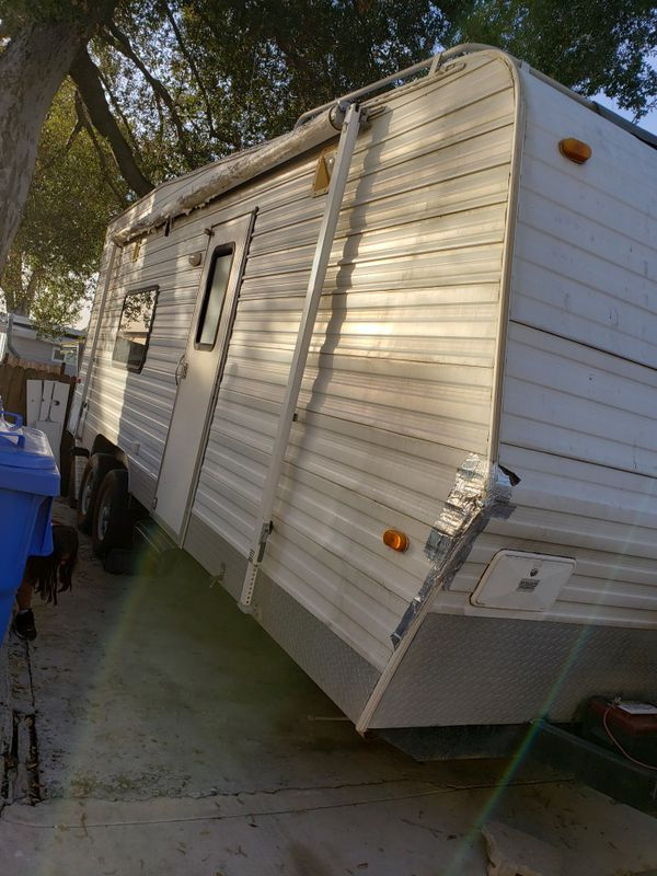 27 foot toy box trailer