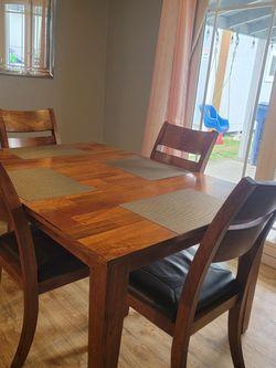 Kitchen Table Mango for Sale in Auburn,  WA
