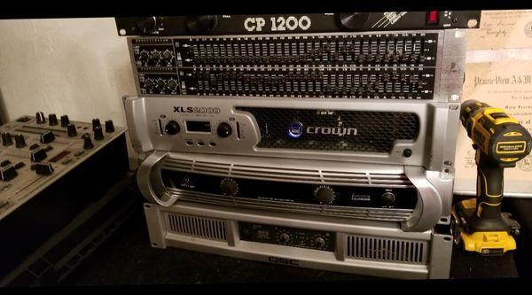 Crown XLS 2000 power amp
