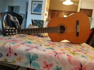 Yamaha classical guitar cg 122 mch for Sale in Chantilly, VA