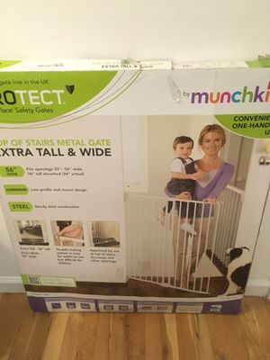 Baby / Pet White Metal Gate BEST OFFER for Sale in Staten Island, NY