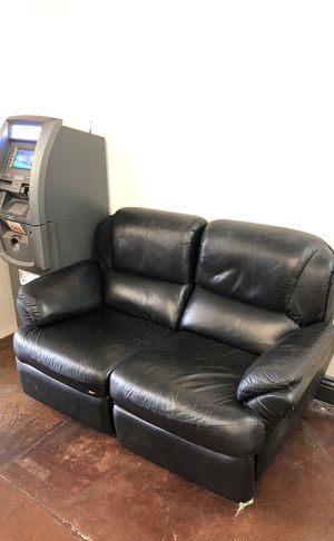 Loveseat recliner for Sale in San Diego, CA